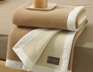 οι κουβέρτες και τα παπλώματα του κάθε πελάτη πλένονται ξεχωριστά και το καθένα μόνο του - Καθαρισμός Χαλιών Θεσσαλονίκη